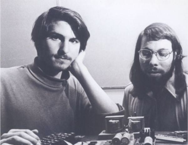 co-founders steve jobs steve wozniak